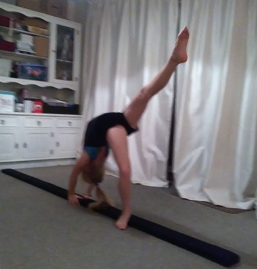 Gymnastics training balance beam black suedette covered beam 9ft splits in half