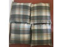 4 square cushions.