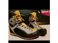 Salewa raven b2 mountain boots size 12