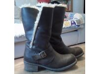 Caterpillar 'Anna' leather boots with fur trim and lining. Size 7. Great condition.