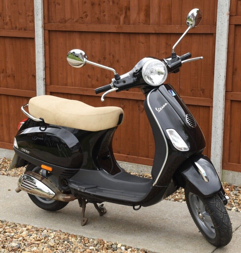 Vespa LX 50 2T - The Scooter Review