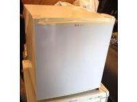 mini fridge top counter LG with ice box