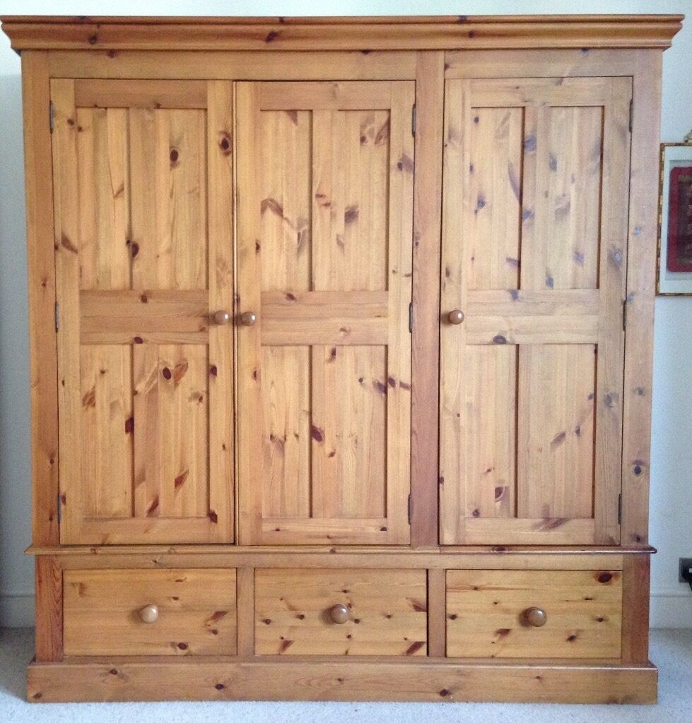 Quality Solid Pine Bedroom Furniture (6 Pieces)