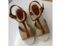 ladies size 5 new sandals