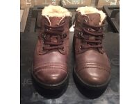 Brand New Clarks leather brown boots Size 6G