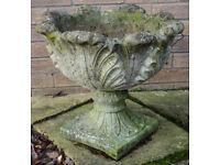 Garden Feature Planter / Urn / Pedestal Tulip Pot