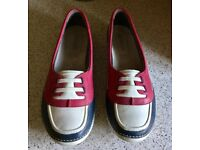 Ladies leather shoes. Size 7.5D. Navy/raspberry. Worn once. In original box.