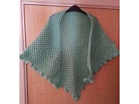HAND MADE MINT GREEN CROCHET SHAWL / SHAWLETTE VINTAGE LOOK FESTIVAL