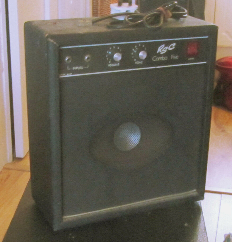SMALL GUITAR AMP (used)