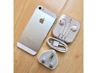 Apple iPhone 5S 16GB - Silver / White - Grade A Unlocked - Warranty with Receipt - Mint Condition