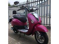 Lexmoto Valencia 50cc Scooter - Ex Demonstrator £1049 NOW £949!!