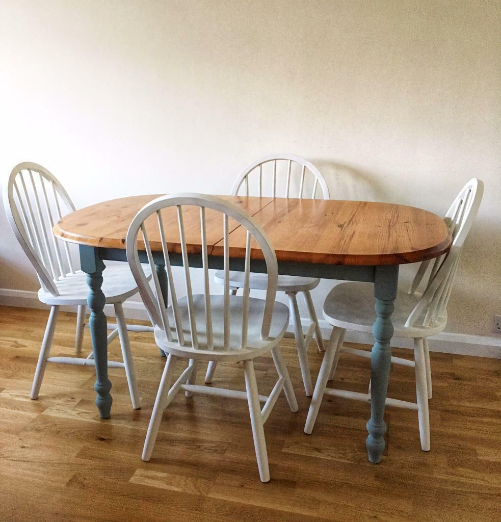 Extendable Dining Table & 4x Chairs