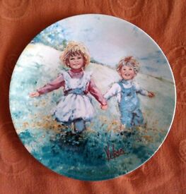 "MARY VICKERS ""PLAYTIME"" WEDGEWOOD PLATE"