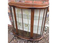 Lovely display cabinet vintage style 2 shelves and locks