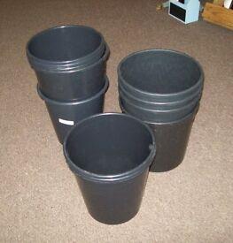 Job lot of 14 small black bins