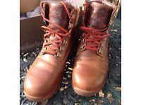 MENS GENUINE TIMBERLAND HUTCHINGTON HIKER BOOTS SIZE 8.5 NEW
