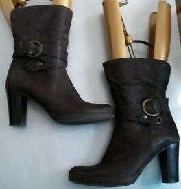 """Womens CLARKS Dark Brown Leather Mid-Calf Boots With 3"""" Heel VGC Size 5.5"""