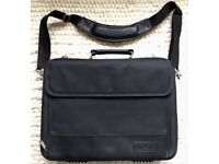 Targus Air System padded laptop shoulder bag, with multiple pockets + carry strap