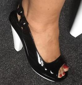Size 5 kurt Geiger shoes