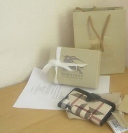 NEW LADIES LIMITED EDITION BURBERRY (PUZZLE DESIN) WALLET - COMPLETE BURBERRY PACKAGING +FREEBIE(S)