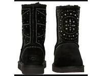 RRP £275.00 UGG Black Suede Studded Sheepskin Boots UK 7.5 Eur 40 new in box