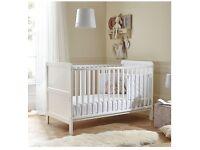 """Baby Cot Bed """"Little Acorns Classic Cot Bed"""" """"RRP £144"""""""