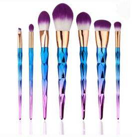 7 Piece MakeUp Brush Set