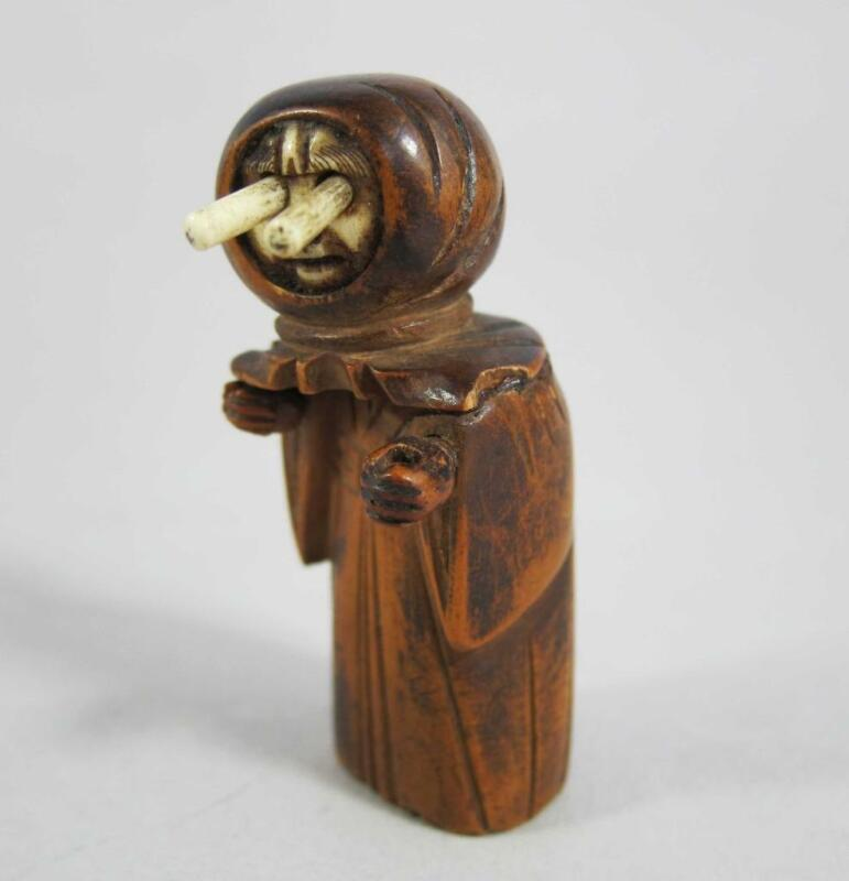 FINE ANTIQUE JAPANESE HAND CARVED NUT KOBE TOY Monk figure with Pop Out Eyes !