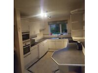 Full kitchen, integrated oven, integrated microwave oven combi, fridge and dishwasher
