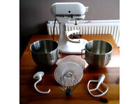KITCHENAID K5 Heavy Duty Commercial Mixer + 2 Stainless Bowls + Lids + Whisk / Beater /Dough Hook