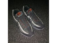 QUICK SALE! Nike Air Max 95 Shoes - Size 7 - Like New!