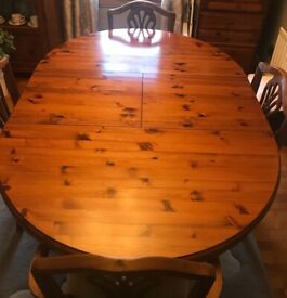 Dark brown extending dining table (ducal) & 6 Chairs
