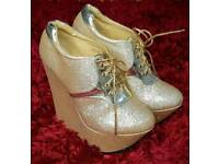 Size 5 Stunning Gold Sparkly KRASCEVA Wedge Heels In Great Condition!