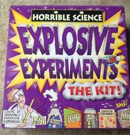 Horrible science explosive experiments kit