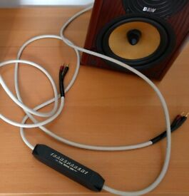 Transparent Wave Speaker Cable (single, used). Superior noise reduction. 2.5 metres long