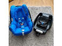 Maxi-Cosi CabrioFix car seat & Isofix base