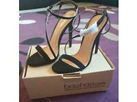BNIB boohoo black strappy heels size 5.