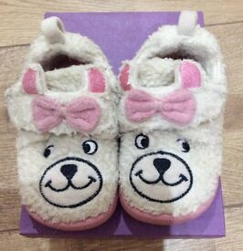 Baby girls CLARKS slippers 3.5F