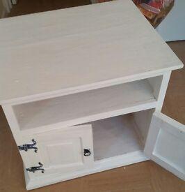 White unit ideal for restoration 20pound