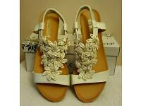 white stretchy strap flower wedge sandals