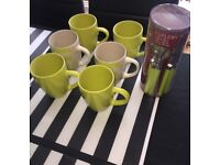 NEW 6 green mugs and green cutlery set *immaculate*