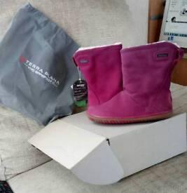 Terra Plana girls pink boots