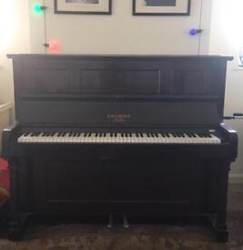 Evestaff piano