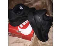Reduced !!! Nike air max 90s size 3