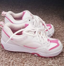 Girls size 6 pink and white Heeleys