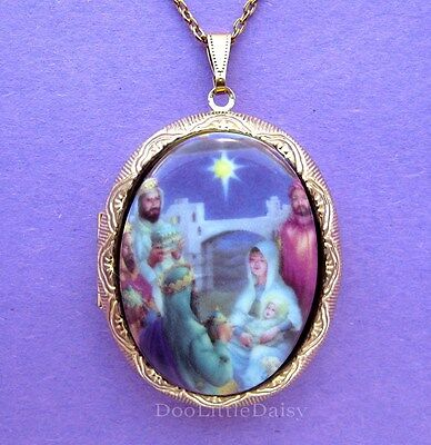 Christian Porcelain CHRISTMAS NATIVITY MANGER CAMEO GT Locket Necklace for Gift
