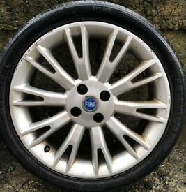 Fiat alloy wheel