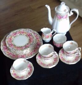 royal albert small but beautiful collection