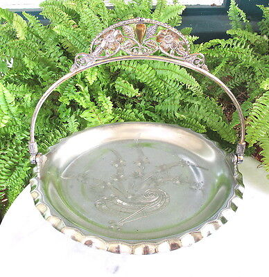 LOVELY VICTORIAN PAIRPOINT SILVERPLATE BRIDES BASKET / PASTRY TRAY