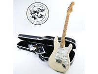 2008 Fender USA Standard Stratocaster Vintage White Maple & Case & Tags